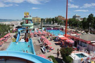 beachvillage hotel camay